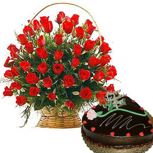 24 roses basket with heart shaped chocolate cake 1 kg